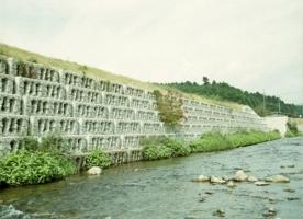 阶梯式生态护坡施工案例