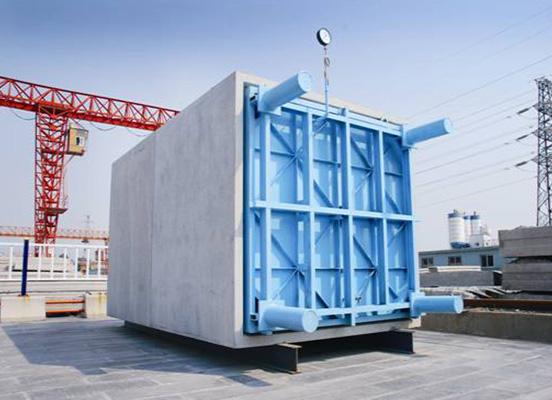 预制混凝土方涵 1、预制混凝土方管涵介绍 利用高强钢筋混凝土在工厂预先制成的一种箱形管涵,在施工现场进行吊装、连接。该箱涵可广泛用于电力隧道、城市综合管沟俗称预制混凝土方管涵。 2、预制混凝土方管涵的产品优势 预制混凝土方管涵在工厂预先制成,能够有效控制产品质量,不受季节及天候影响,具有缩短工期、提高效率、有效解决透水现象、降低意外发生率等优点,不仅对市民生活的影响降到最低,而且弥补了许多传统现浇施工方式的不足。 预制方管涵生产技术的引进,填补了中国国内混凝土预制构件行业的空白,将成为中国预制混凝土构件